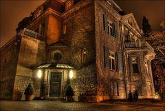Nur ein Wiesbadener Haus bei Nacht [HDRI]