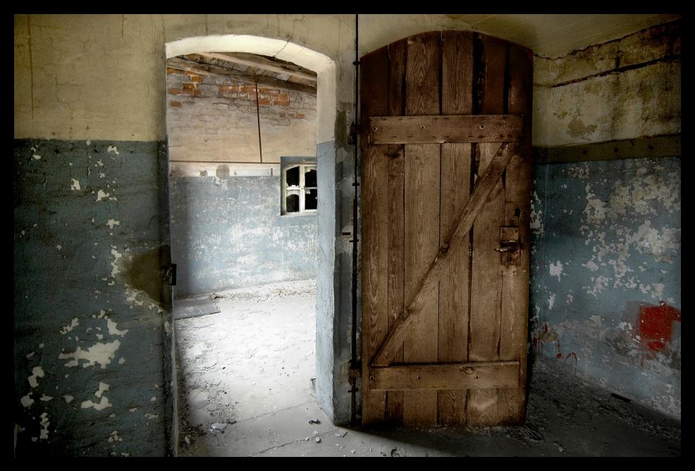 Nur eine alte Tür?
