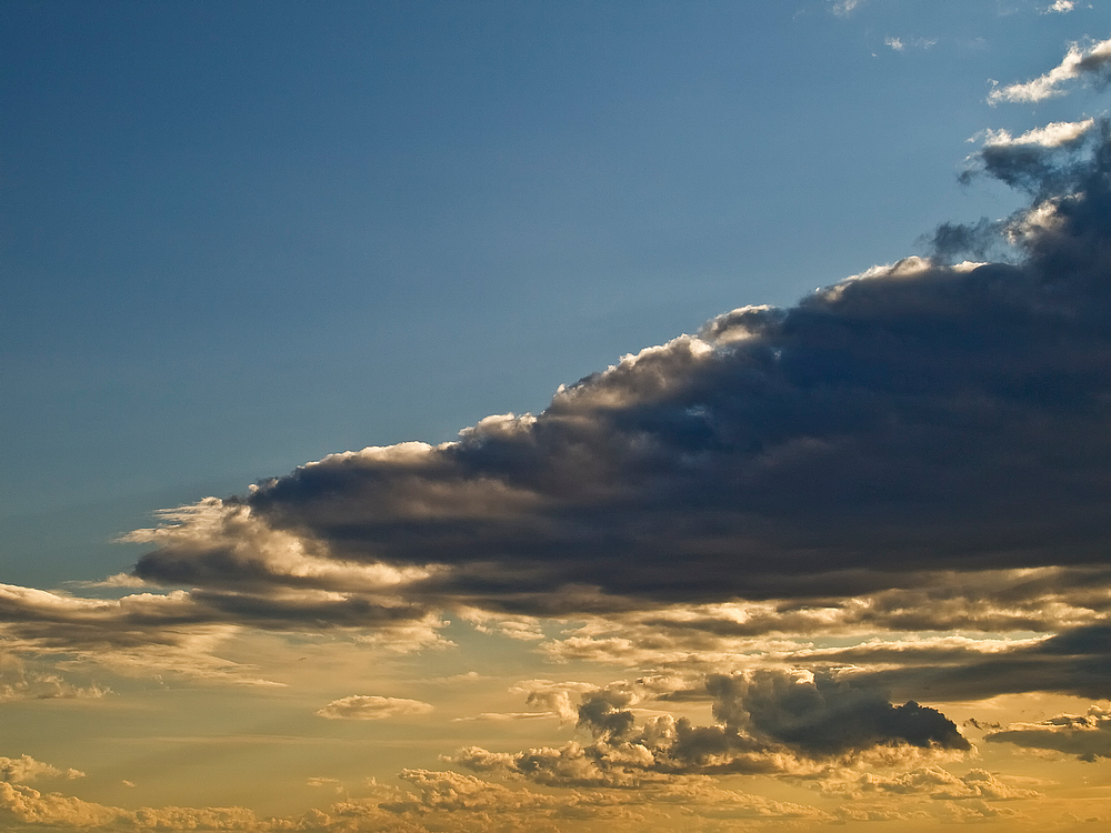 Nur eine Wolke!