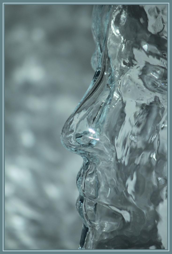 Nur Glas