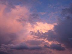Nuvens no céu em aquarela