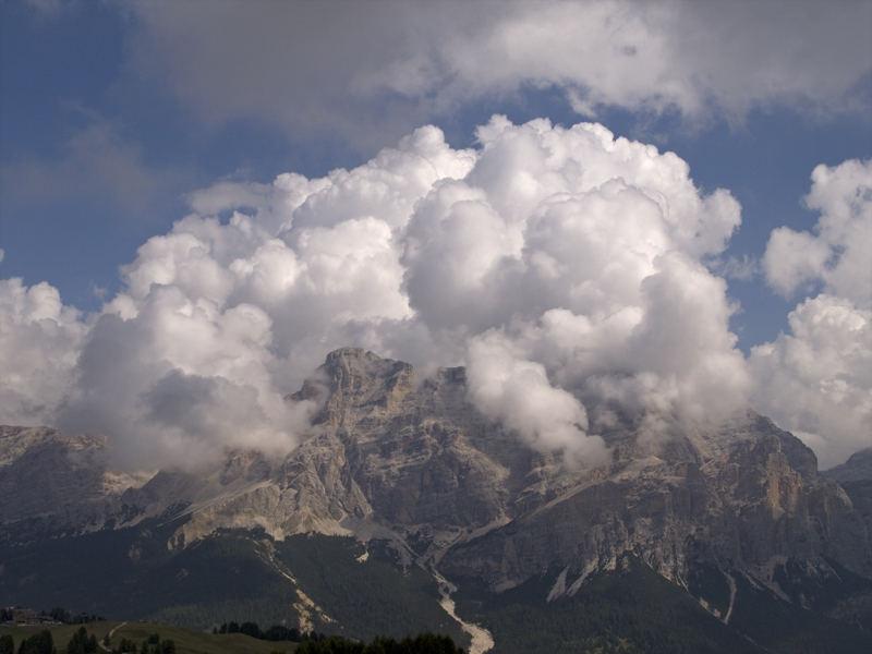 Nuvole d'assalto