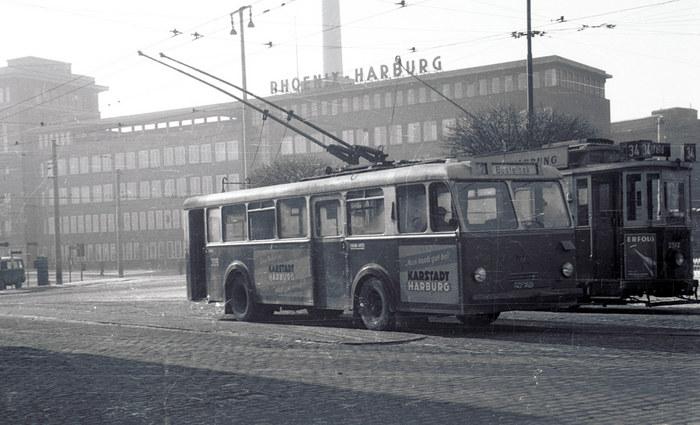 O-Bus HH-Harburg mit Straßenbahn (unbearbeitet)