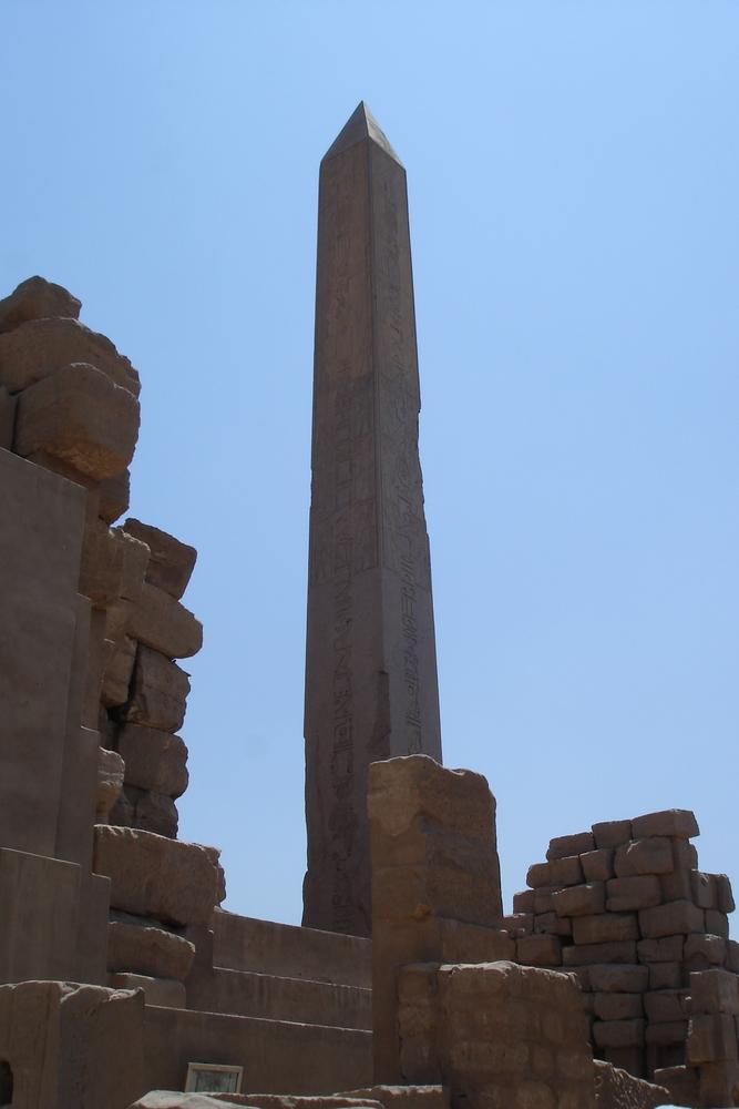 Obelisk im Tempel von Karnak