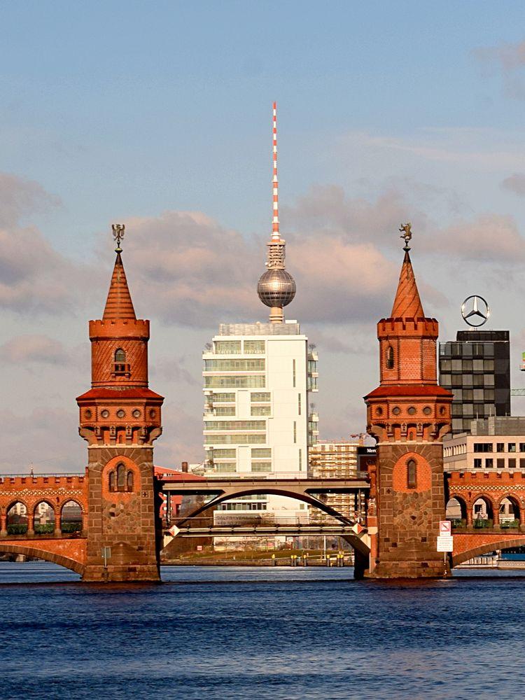 Oberbaumbrücke mit Fernsehturm