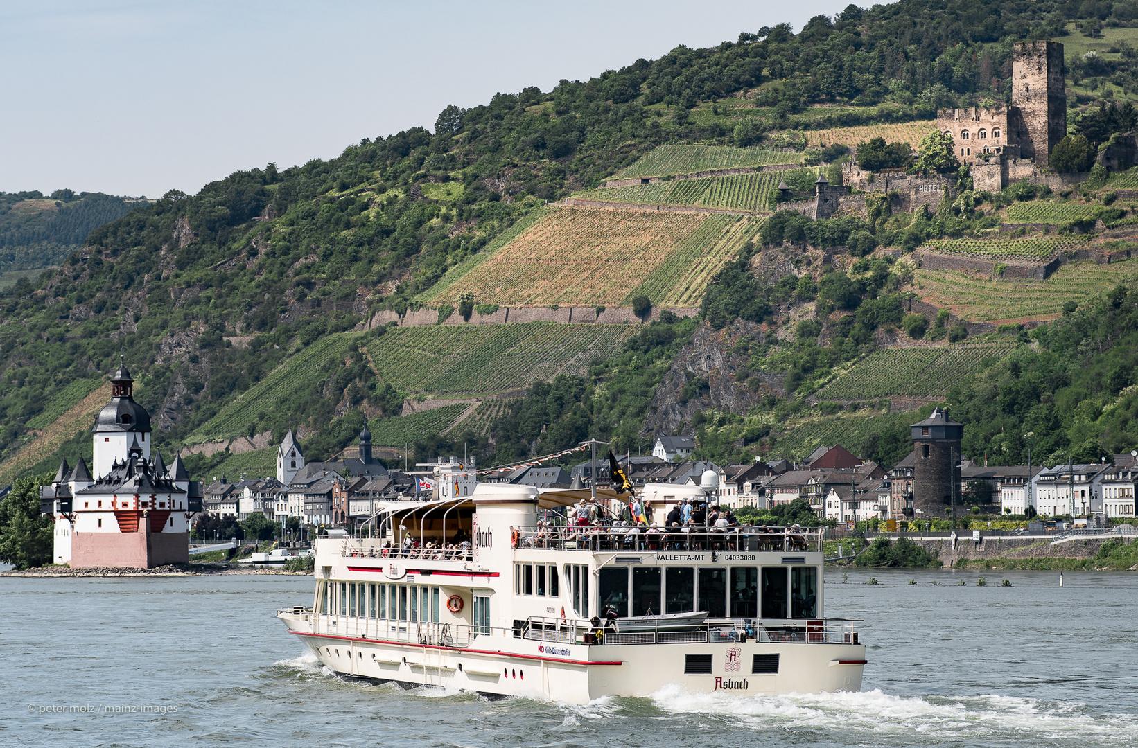 """Oberes Mittelrheintal - Die Pfalz, die Burg Gutenfels und die """"Asbach"""" bei Kaub am Rhein"""