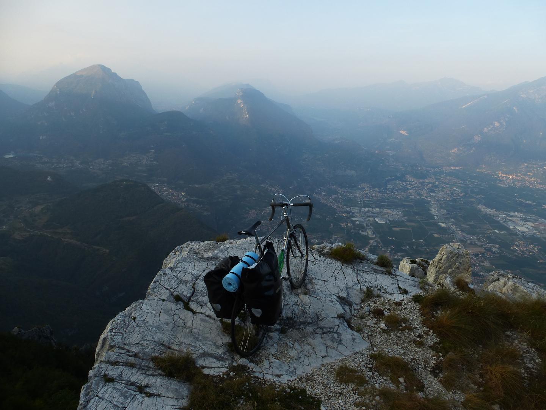 oberhalb der Cima SAT Riva del Garda