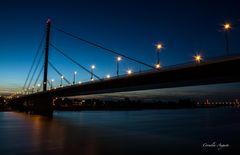 Oberkasseler Brücke..