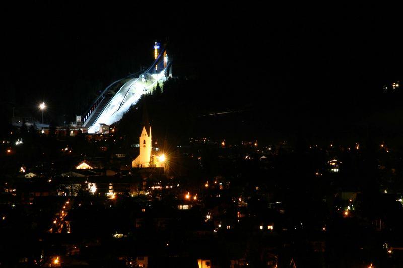Oberstdorf bei Nacht