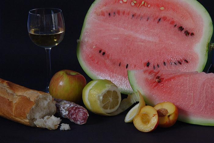Obst, Brot, und Wein
