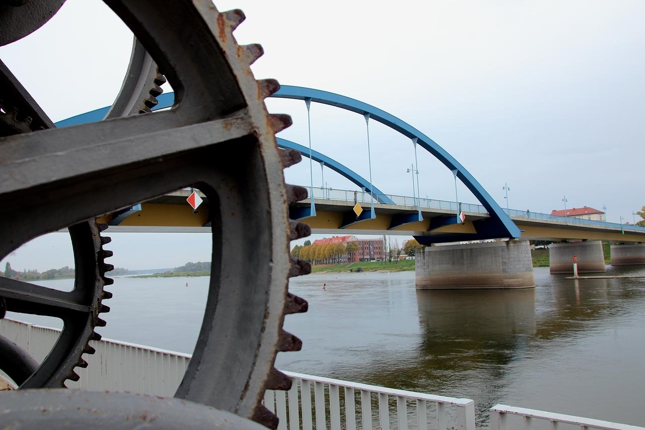 Oderbrücke 02