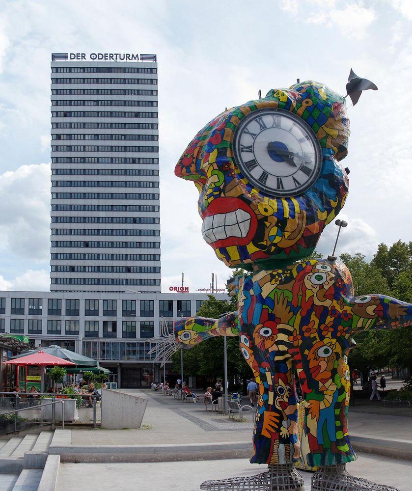 Oderturm vs. moderne Kunst