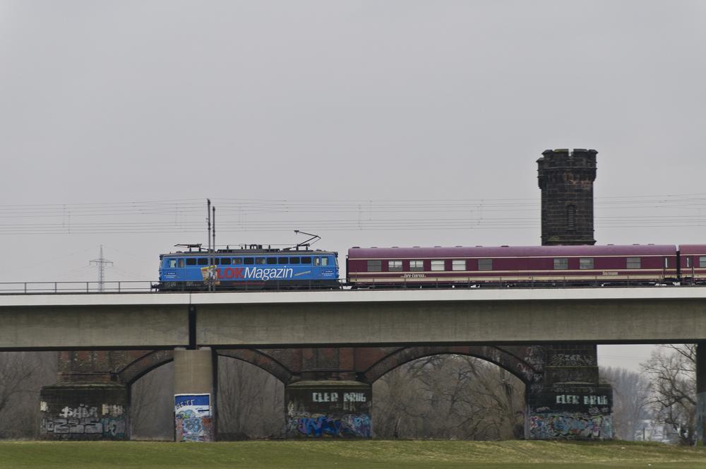 Österreichische E-Lok 1042 im Rheinland