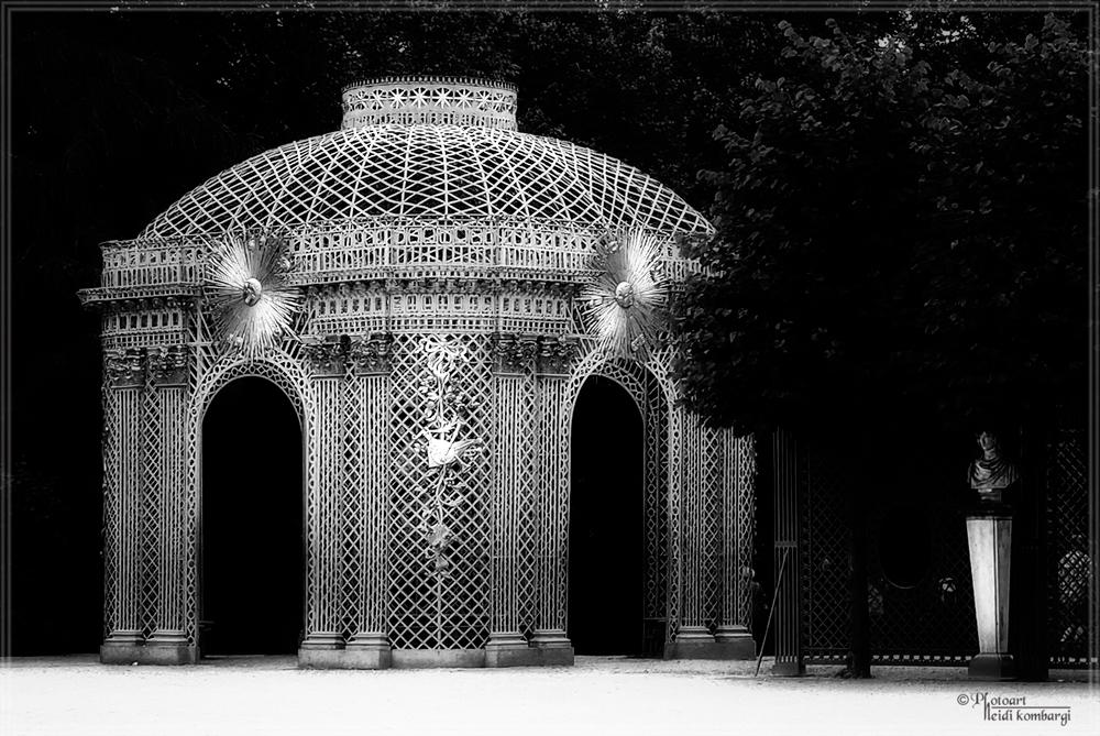 Östlicher Gitterpavillon