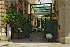 Offenes Restaurant an der Via Manzoni