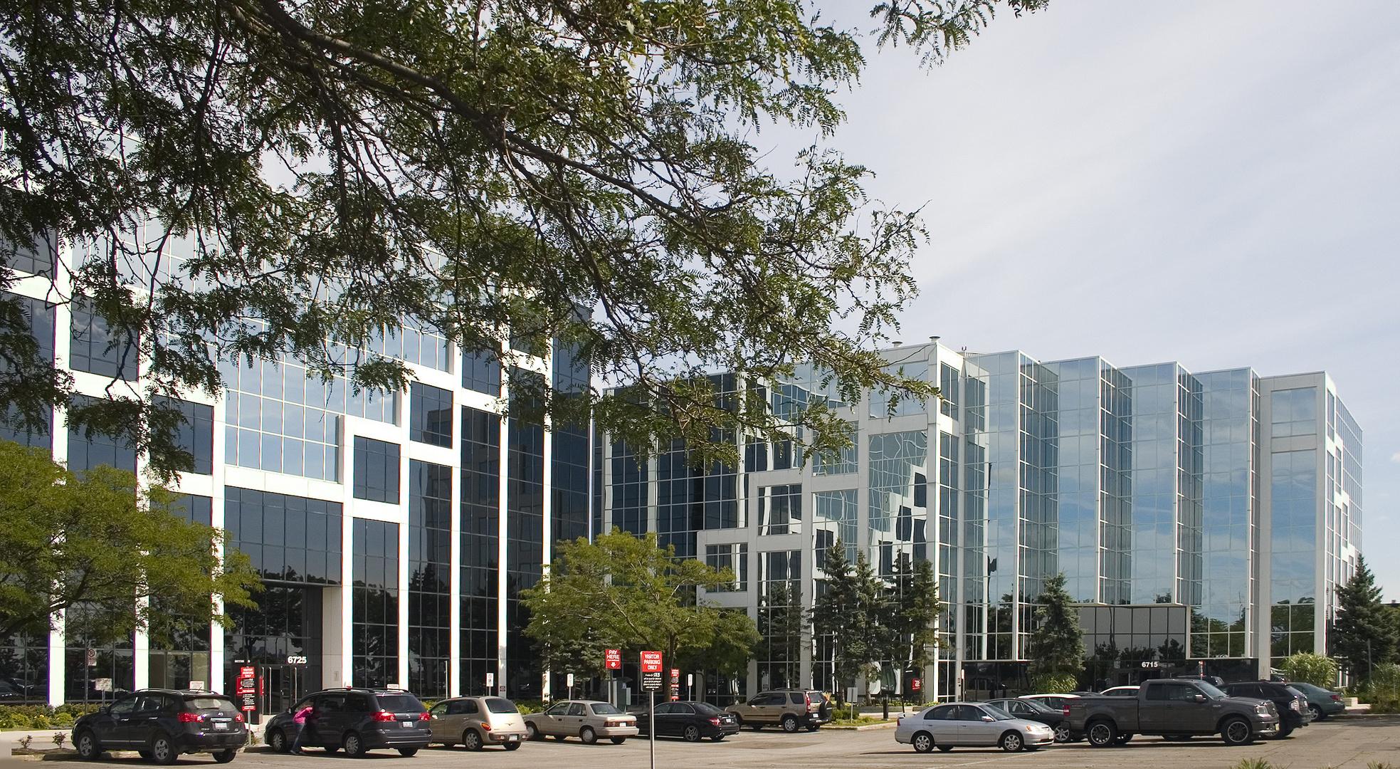 Office Complex by Architect Janos Gardonyi