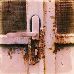 Oft muss man Türen nicht einrennen. .oft nur warten. .,