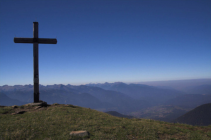 Ogni cima ha una croce....