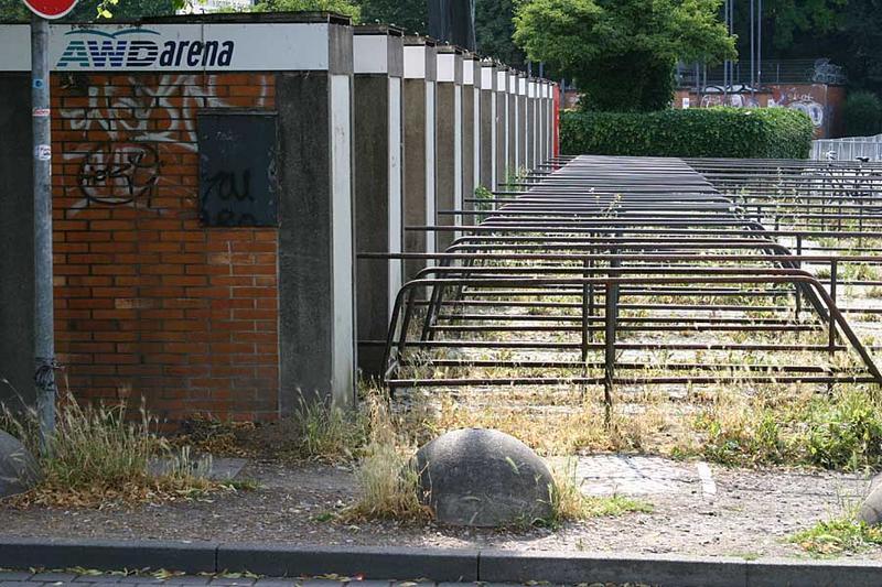 Oh, wie tief lässt man Dich fallen, mein geliebtes Niedersachsenstadion