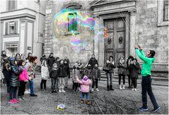 - Ohhh! ... La bolla gigante!