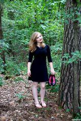 Ohne Schuhe durch den Wald