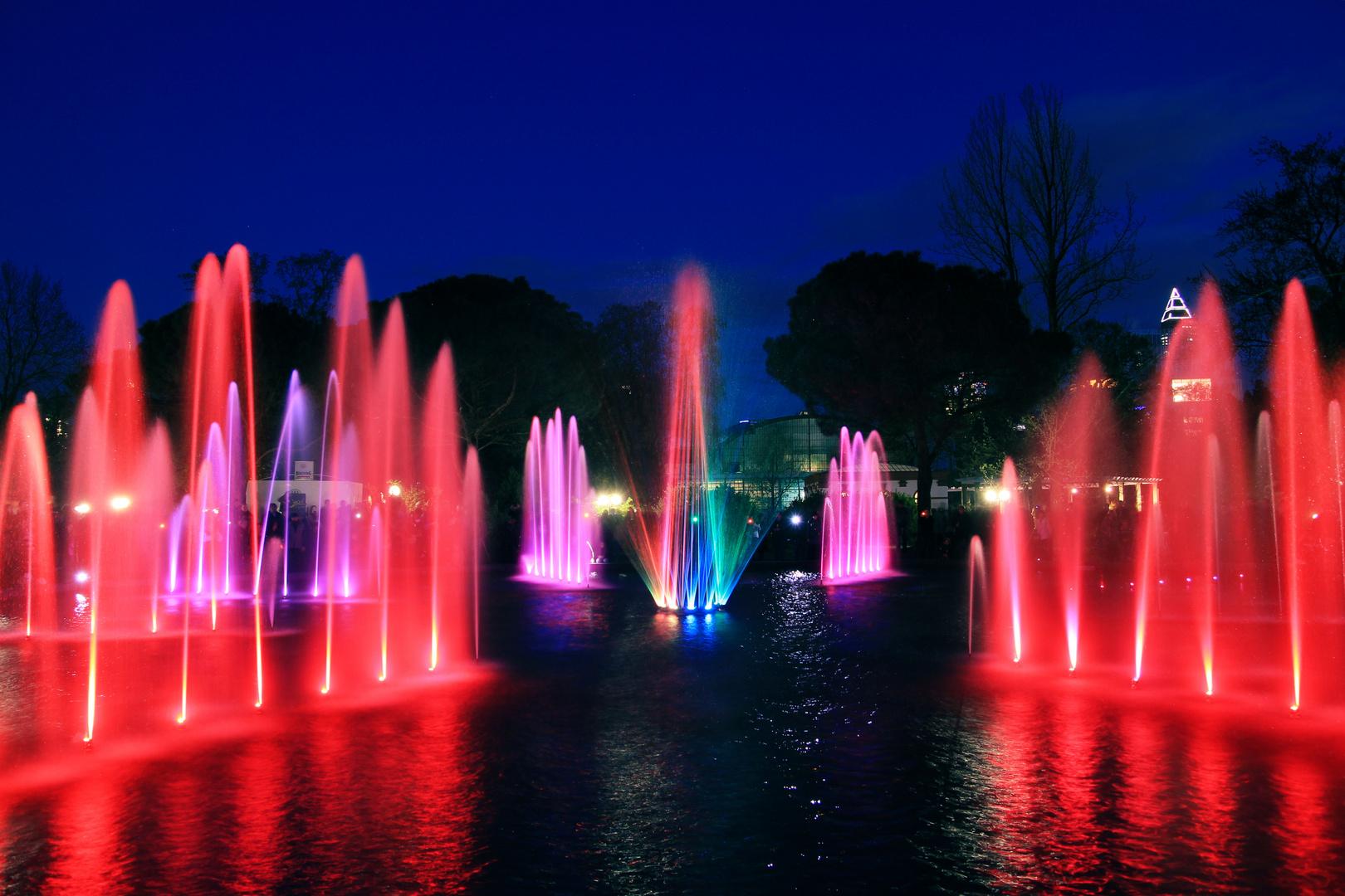 Oktogonbrunnen im Palmengarten Frankfurt zur Luminale 2012