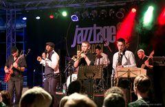 Ola Onabule & Band