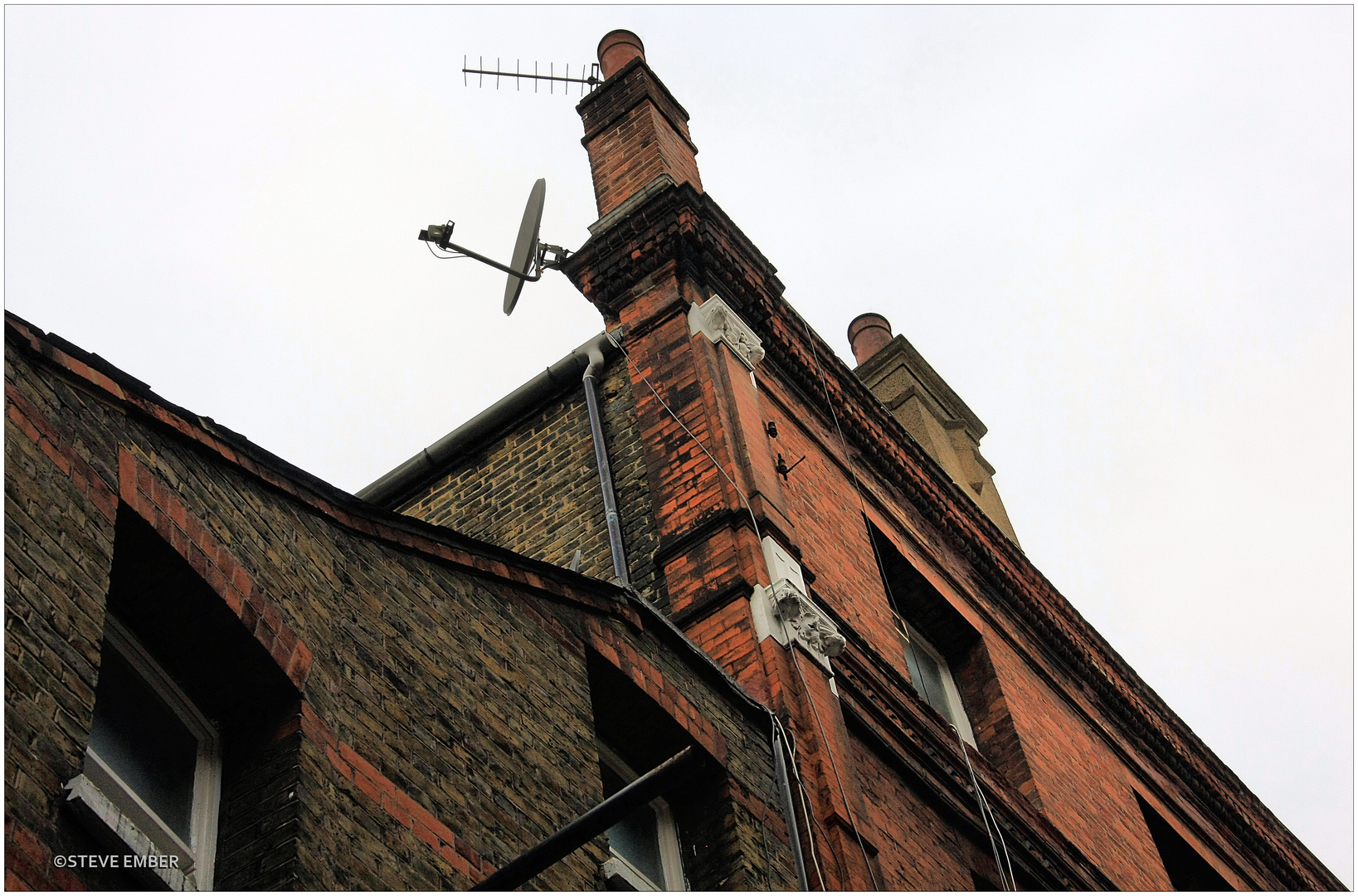 Old Brick + High Tech - A Southwark Impression