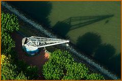 Old crane on the bank of river Rhine / Alter Kran am Rheinufer