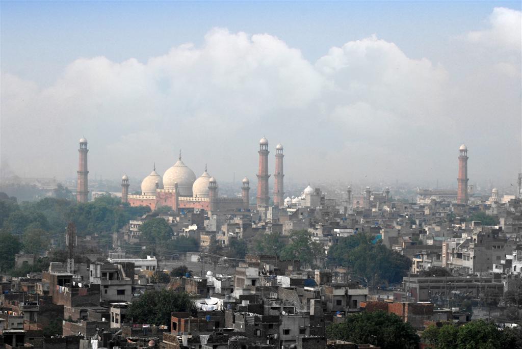 Old Lahore with Shahi Masjid