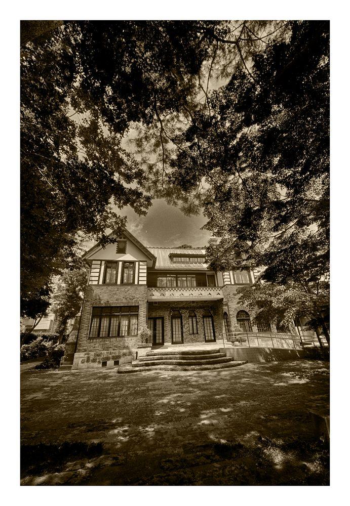 Old mansion-2