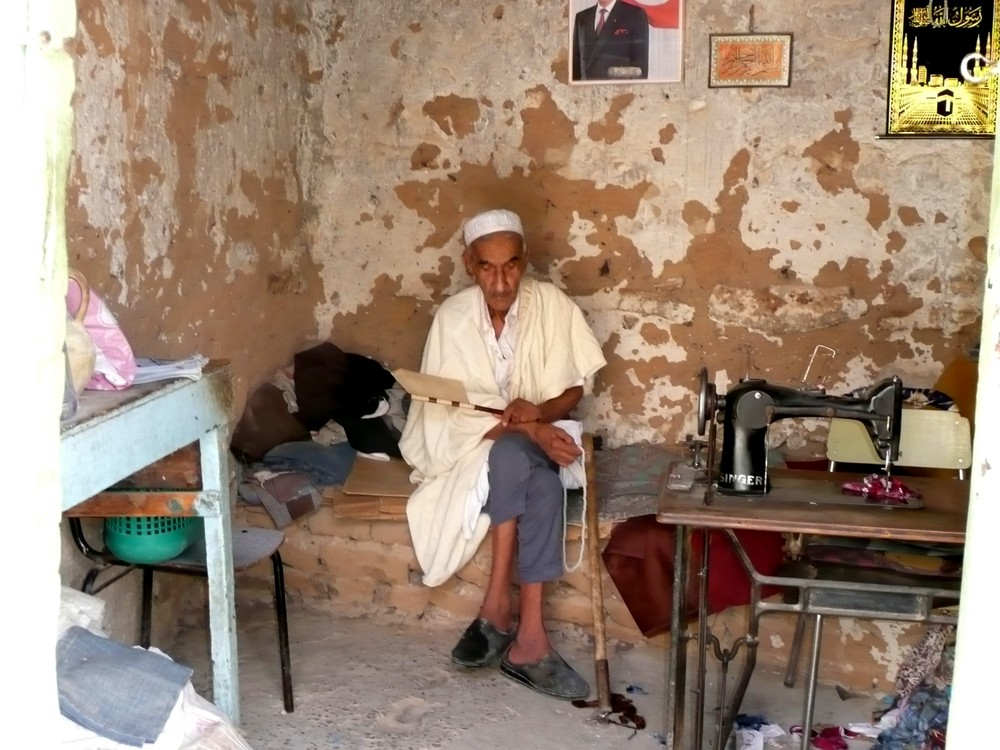 old tailor in Nefta oasis