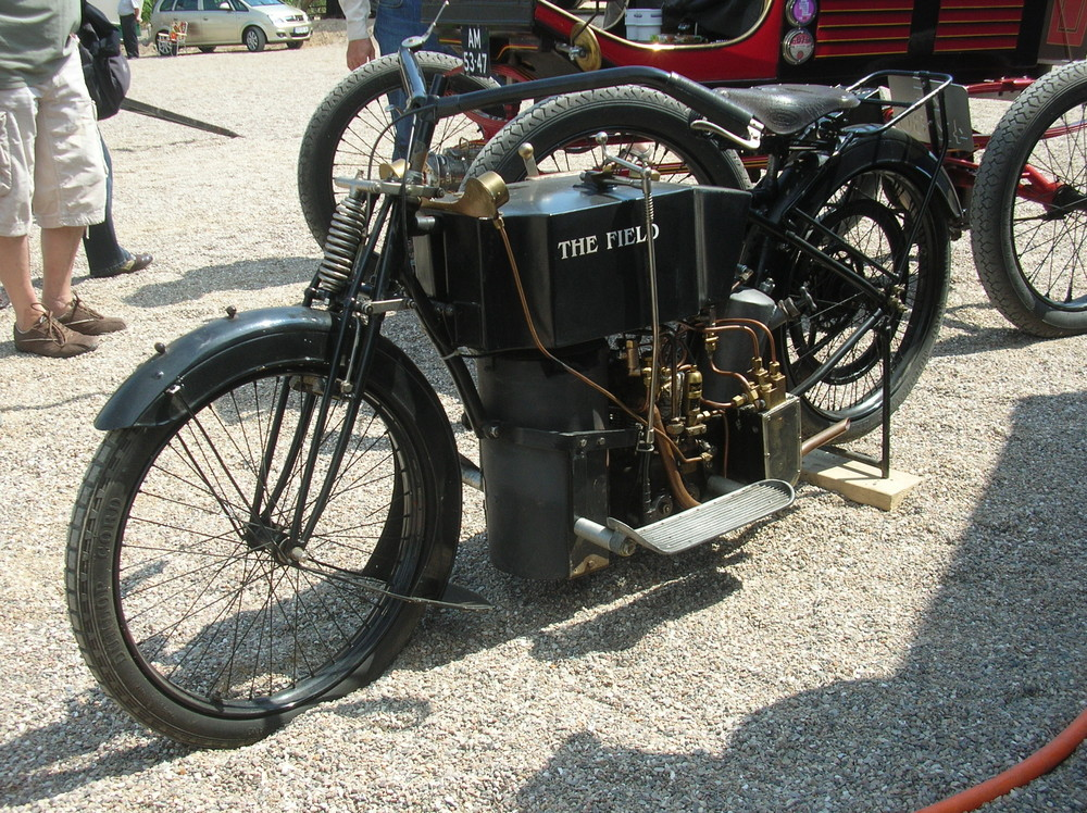 oldtimer motorrad mit holzvergaser foto bild autos. Black Bedroom Furniture Sets. Home Design Ideas