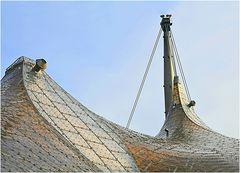 Olympia-Zeltdach in der Nachmittagssonne