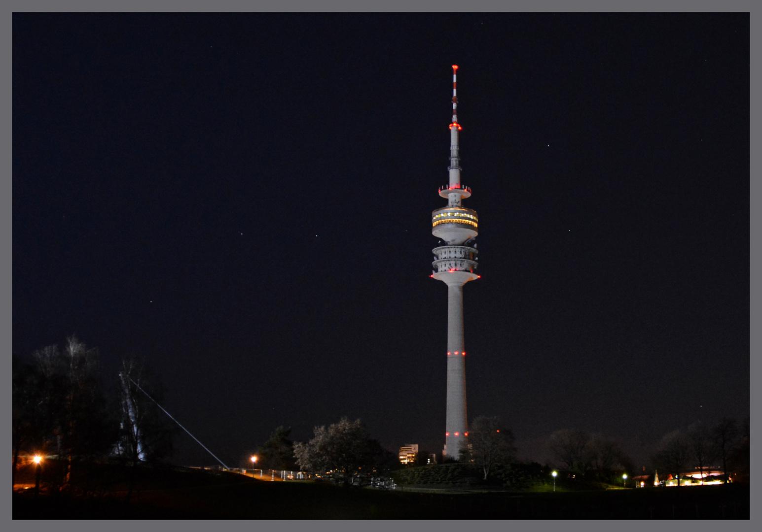 Olympiaturm mit Großem Wagen