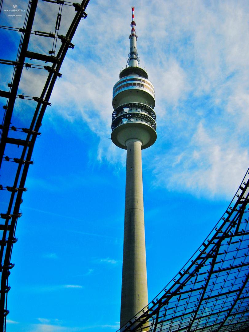 Olympiaturm München bunt
