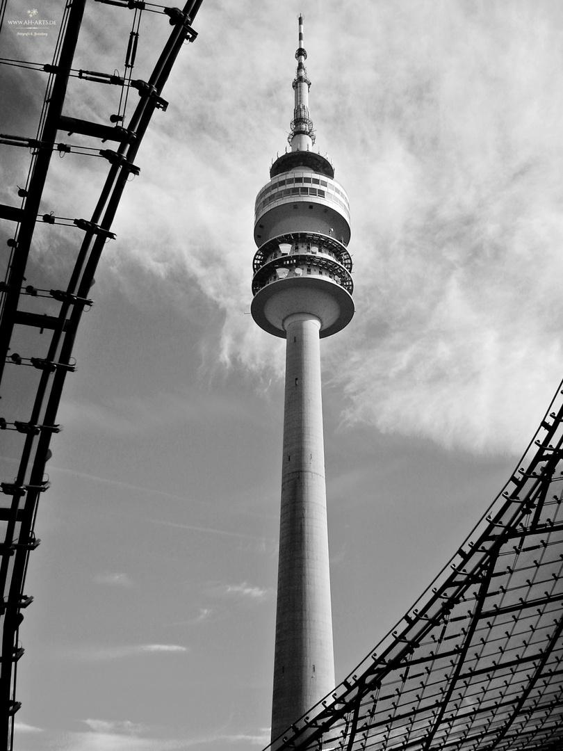 Olympiaturm München s/w