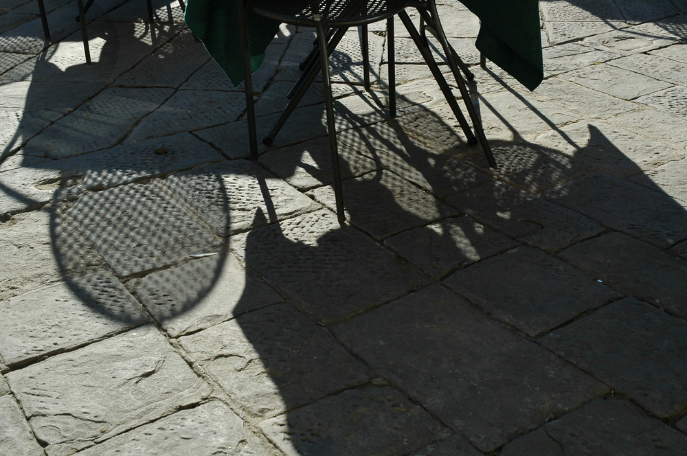 Ombre invernali in piazza