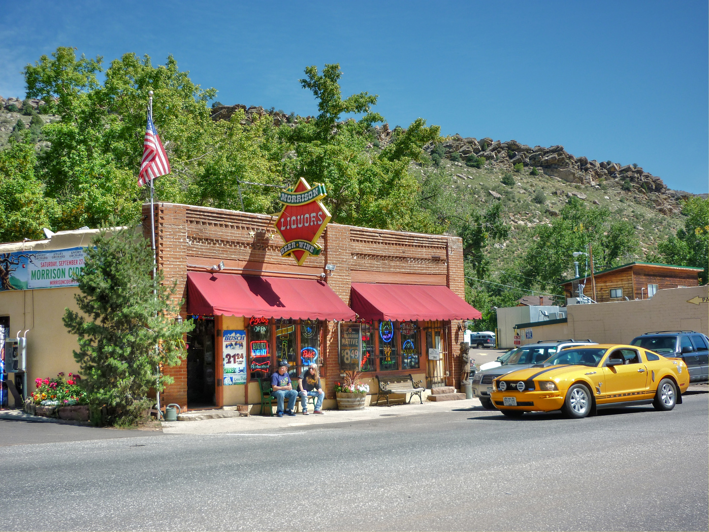 On the Road in Morrison... - USA, Colorado