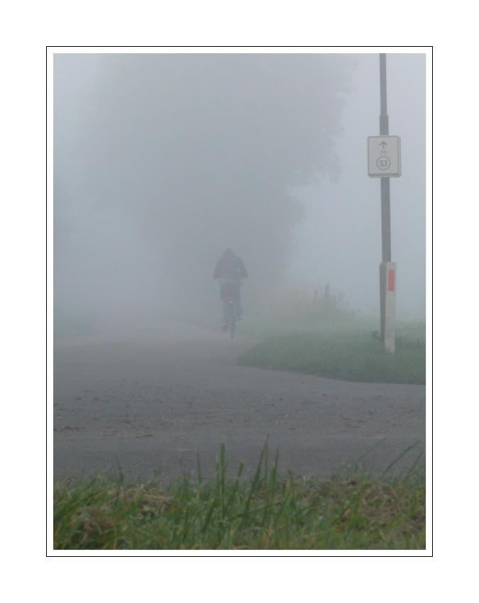 on the way to school (fridays morning fog, 05.10.07)
