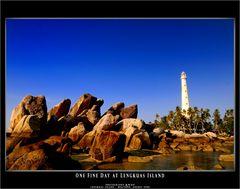 .:: One Fine Day at Lengkuas Island ::.
