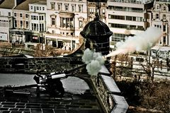 ::One O'Clock Gun...
