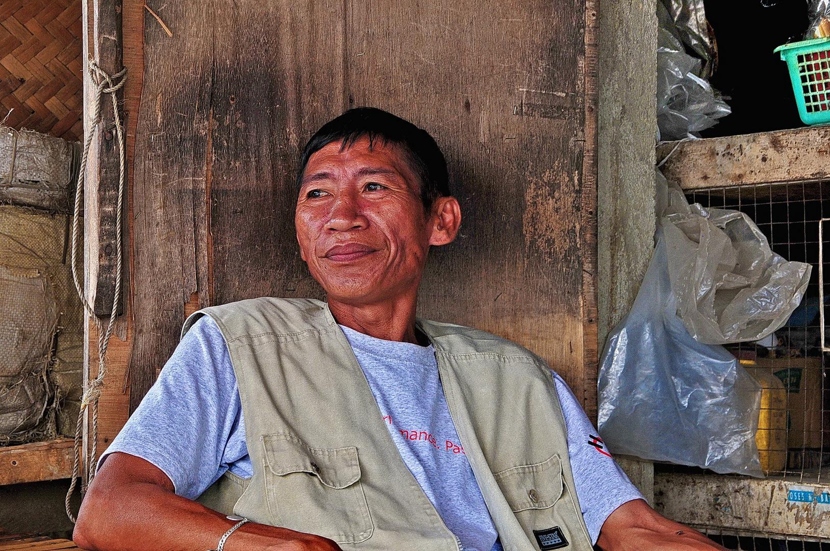 """ Only one smile "" , Ibajay Markt - Aklan - Panay 2009"