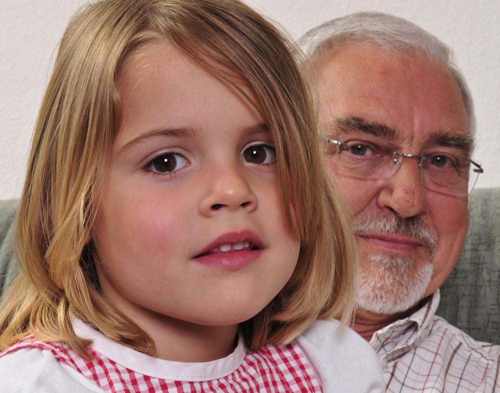 Opa mit Enkelin Foto & Bild | erwachsene, kinder und