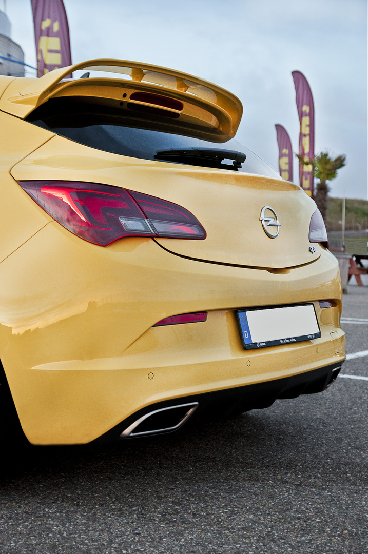 Opel Astra J OPC 2