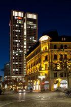 Opern-Turm in Frankfurt by night