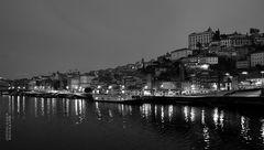 Oporto by night