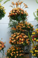 orange Rosengestecke 4 Etagen