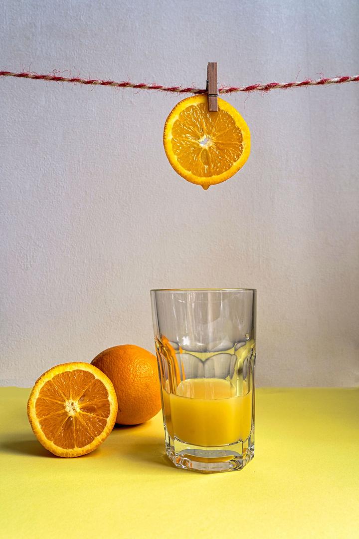 Orangensaft frisch von der Leine