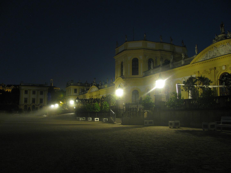 Orangerie bei Nacht